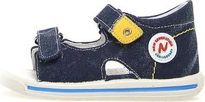 Granatowe buty dziecięce letnie Naturino