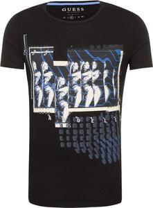 c4a8f3a711abb T-shirt Guess Jeans z krótkim rękawem w młodzieżowym stylu