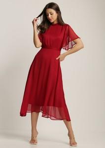 Czerwona sukienka Renee midi z okrągłym dekoltem
