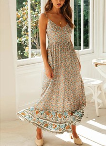 Sukienka Cikelly na ramiączkach w stylu boho z dekoltem w kształcie litery v