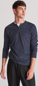 Granatowy t-shirt Reserved z długim rękawem