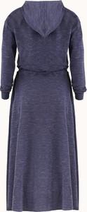 Sukienka Byinsomnia z długim rękawem z dresówki