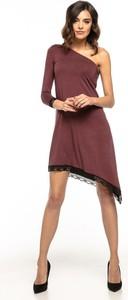 Sukienka Tessita z dzianiny asymetryczna