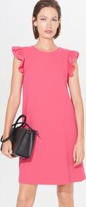 Różowa sukienka Mohito z krótkim rękawem mini z okrągłym dekoltem