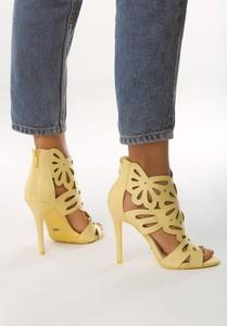 Żółte sandały born2be na zamek na szpilce