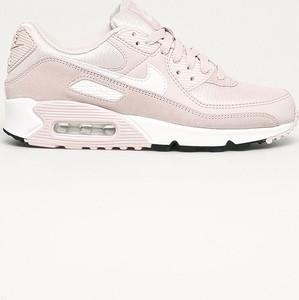 Różowe buty sportowe Nike Sportswear z płaską podeszwą