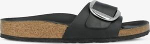 Czarne klapki Birkenstock z płaską podeszwą