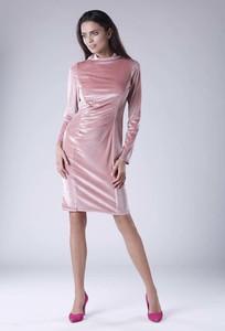Sukienka Nommo w stylu glamour dopasowana