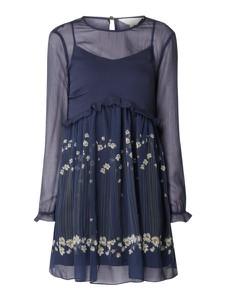 Granatowa sukienka Ted Baker z szyfonu z długim rękawem