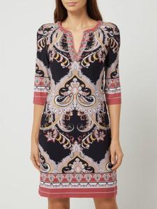 Sukienka Montego z długim rękawem z dekoltem w kształcie litery v