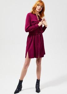 Czerwona sukienka Moodo z długim rękawem