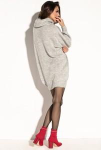 Sukienka Fobya z wełny z długim rękawem oversize