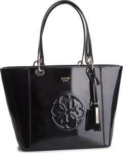 Czarna torebka Guess w stylu casual