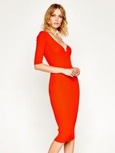 Sukienka Elisabetta Franchi dopasowana z dekoltem w kształcie litery v midi