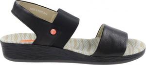 Sandały softinos na koturnie w stylu casual