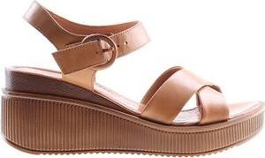 Brązowe sandały Lasocki ze skóry