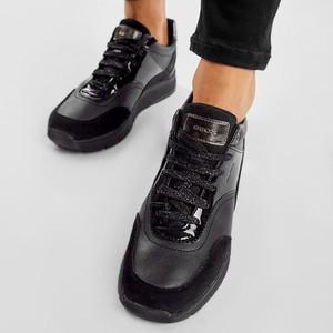 Buty sportowe Geox z płaską podeszwą sznurowane