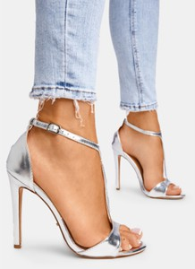 Srebrne sandały DeeZee na szpilce z klamrami