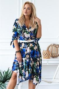 Sukienka Sklep XL-ka z dekoltem w kształcie litery v