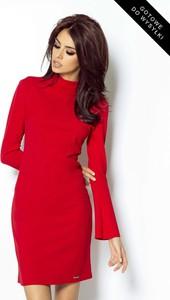 Sukienka Ivon w stylu casual dopasowana