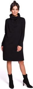 Czarna sukienka Merg z długim rękawem w stylu casual midi