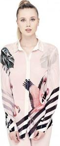 Koszula Guess z kołnierzykiem w street stylu