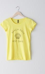 Żółty t-shirt Sinsay z okrągłym dekoltem z krótkim rękawem