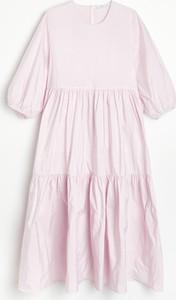 Sukienka Reserved mini w stylu casual z okrągłym dekoltem