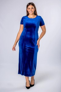 Granatowa sukienka candivia.pl z okrągłym dekoltem z weluru maxi