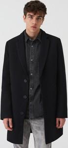 Czarny płaszcz męski Sinsay