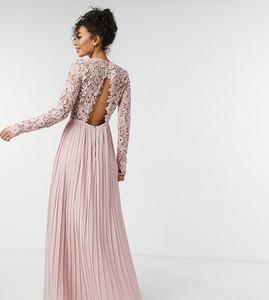 Różowa sukienka Chi Chi London Tall z odkrytymi ramionami maxi