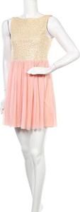 Różowa sukienka Maru mini bez rękawów z okrągłym dekoltem