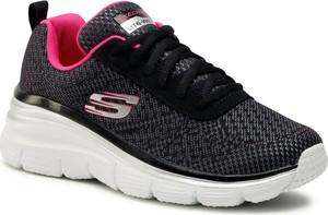 Czarne buty sportowe Skechers z płaską podeszwą sznurowane