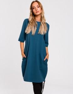 Niebieska sukienka MOE z dzianiny