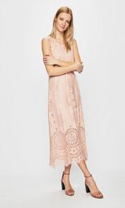 Różowa sukienka Silvian Heach