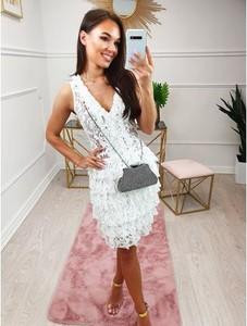 Sukienka Magneticsklep z dekoltem w kształcie litery v