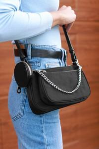 Czarna torebka IVET w stylu glamour