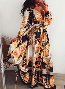 Sukienka Sandbella z dekoltem w kształcie litery v maxi z długim rękawem