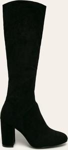 Czarne kozaki Answear przed kolano na słupku