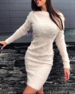 Sukienka Kendallme z długim rękawem w stylu casual dopasowana