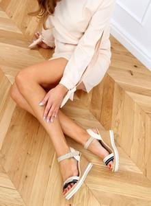 Sandały Buty Damskie na platformie z klamrami