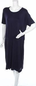 Granatowa sukienka Blue Seven prosta z krótkim rękawem w stylu casual