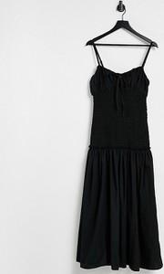 Czarna sukienka Asos z dekoltem w kształcie litery v z bawełny
