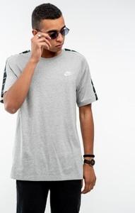 T-shirt Nike z żakardu