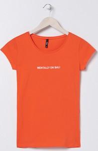 Pomarańczowy t-shirt Sinsay z krótkim rękawem w stylu casual