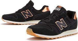 Czarne buty sportowe New Balance sznurowane z płaską podeszwą ze skóry