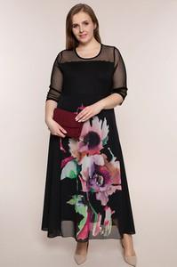 Sukienka modneduzerozmiary.pl z okrągłym dekoltem z długim rękawem
