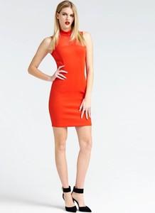 Czerwona sukienka Guess z tkaniny bez rękawów