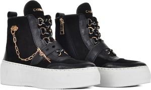 Czarne buty sportowe Carinii na platformie