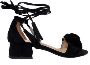 Czarne sandały Kokietki z klamrami